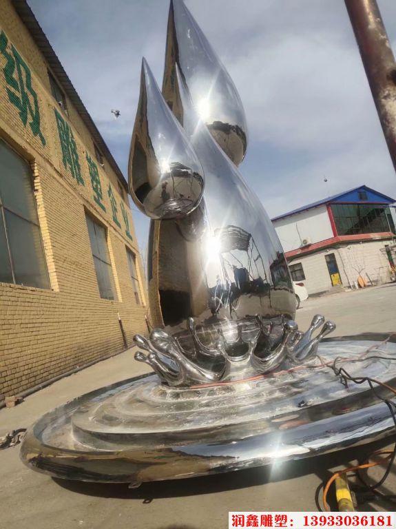 2米高不锈钢水滴镜面效果4