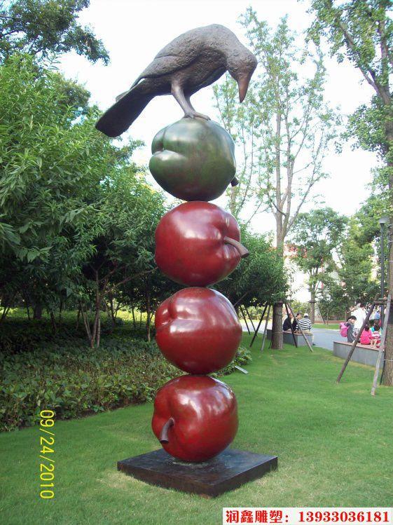 小鸟踩苹果不锈钢雕塑 小区不锈钢雕塑小品